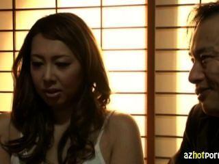 शादी एशियाई महिला कट्टर जोखिम