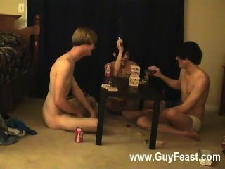 गर्म समलैंगिक ट्रेस और विलियम अपने नए साथी के लिए ऑस्टिन के साथ एक साथ मिलता है