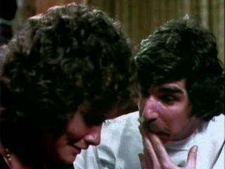 गहरे गले (1972)