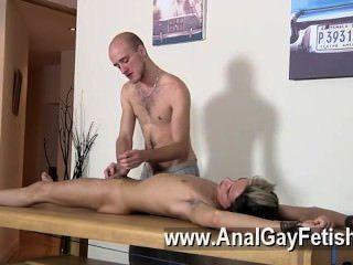 सेक्सी समलैंगिक Dom संवर्धन कीरोन नाइट एक हत्यारा Youthfull बालक के साथ खेलने के लिए है