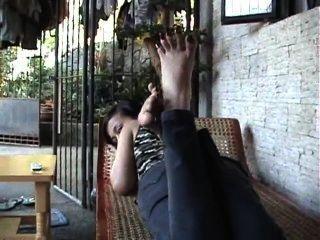 एशियाई पैर की अंगुली प्रसार लंबे toenails