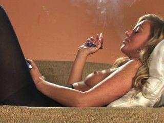 सेक्सी गोरा श्रृंखला सभी सफेद 100s धूम्रपान