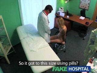 FakeHospital पतला गर्म सेक्सी गोरा squirting स्तन प्रत्यारोपण सलाह चाहता है