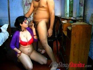 बड़े स्तन भारतीय सेक्स पर सविता भाभी blowjob takign cumshot