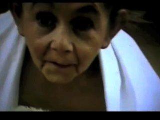 satyriasiss द्वारा उभयलिंगी दादी विकृत बौना