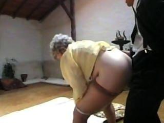 मौजमस्ती और दादी के साथ सेक्स