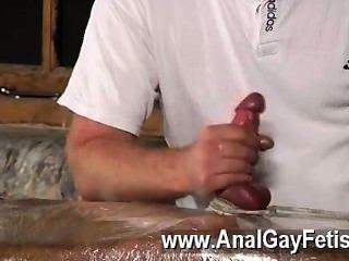 सेक्सी समलैंगिक सेबेस्टियन स्टड के बाद टेबल पर ल्यूक को प्रतिबंधित किया था