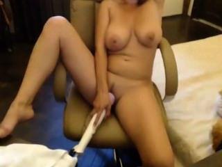 बड़े स्तनों हस्तमैथुन के साथ एमआईएलए