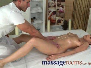 मालिश कमरे सींग का युवा बड़े स्तन महिला चेहरे से पहले जी-स्पॉट संभोग सुख है