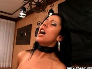 mariele सेक्सी श्यामला कुतिया