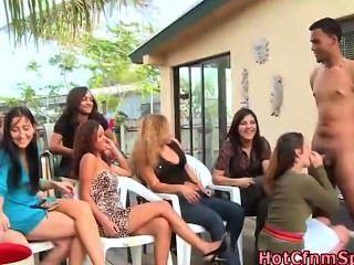 सीबीटी महिलाओं का दबदबा अपमान चूसना