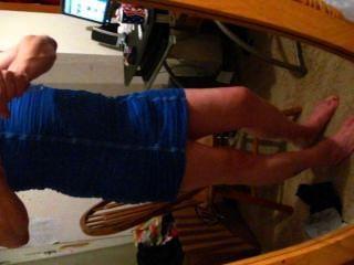 नीले रंग की पोशाक 1