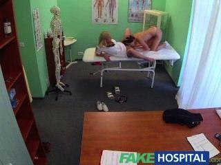 FakeHospital डॉक्टरों और नर्सों मुर्गा जीभ इलाज कामुक रोगियों निराश