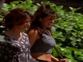 Allyson देख रहा है (जेनिफर हम्मोन, कैरोलीन एम्ब्रोस) 1997 सॉटकोर फिल्म