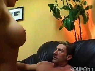 बेब स्तन का एक अद्भुत जोड़ी है