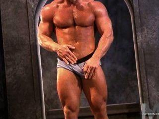 muscled डैडी झटका डेविस 2