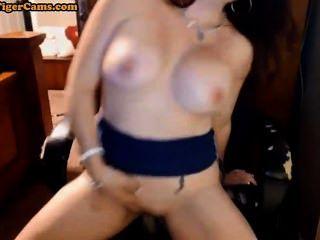 विशाल स्तनों परिपक्व कौगर कैम शो