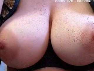 कैमरे संकलन पर शौकिया सुंदर स्तन दिखा