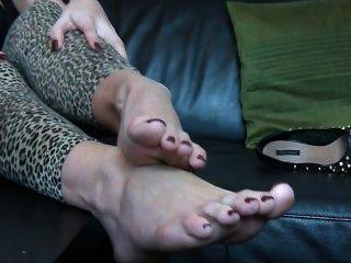 चार्ली पैर बुत
