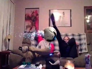 सफेद लड़की शो गधा और PS4 दोस्त पर स्तन उसकी लड़की के लिए यह ऊपर नहीं मिल सका