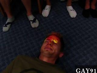 वीडियो Twink कोई नहीं, एक चेहरा गेंदों से भरा चाहता है विचित्र जब