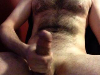 समलैंगिक अश्लील देख रहा है और एक बहुत बड़ा हाथ मुक्त सह करने के लिए किनारा