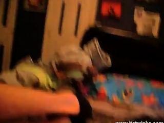 twink वीडियो कामुक राख गोरा टायलर ब्रॉडी अपने वेब कैमरा इस समय में छोड़ दिया