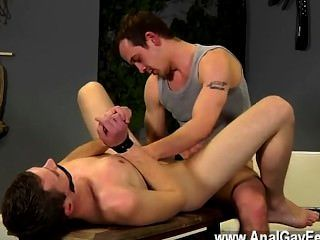 कमाल है समलैंगिक दृश्य दान, सबसे Youthfull पुरुषों में से एक है उसका तना हुआ साथ