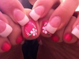 सेक्सी गुलाबी पैर की उंगलियों