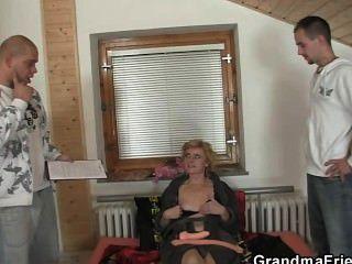 Oldie दो लंड आनंद मिलता है