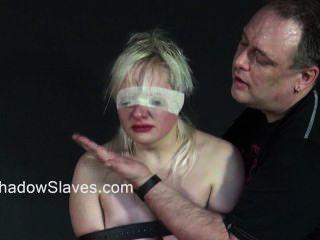 गोरा किशोर किसी न किसी तृप्ति और युवा शौकिया उप बंदी सजा slavegirls