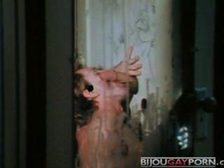 महिमा छेद, कैंची और dildos - पकड़ने (1975)