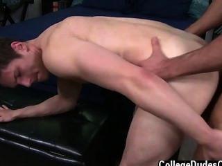 समलैंगिक सेक्स और सैम, पागल आदमी है कि वह जा रहा है, उसका भाला अनुरूप है