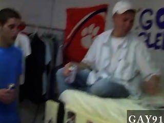 वीडियो Twink तुरंत भाइयों इन तंग बनाने के लिए निर्धारित