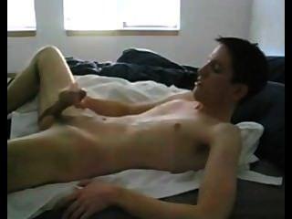 युवा पुरुष, syoer गर्म jerkoff और गोली मार