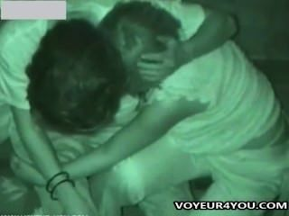 देर रात सार्वजनिक सेक्स दृश्यरतिक