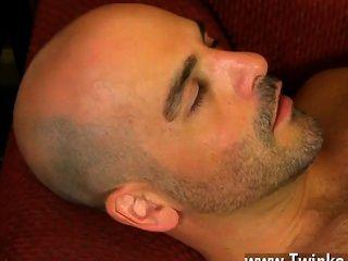 सेक्स twink वह अपने ही होंठ लपेटकर से पहले अपने पाइप कुल्ला करने के लिए फिलिप हो जाता है