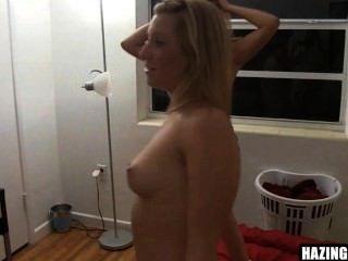 स्तन चूसने और बिल्ली 19 चाट
