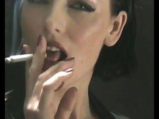 लेटेक्स में सेक्सी धूम्रपान