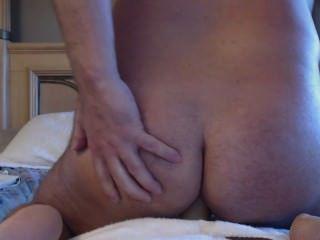 luv2showu2 आप के लिए चूतड़ में बड़ा dildo shoves