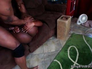 काली लड़की किसी न किसी हो जाता है