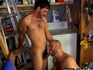 नग्न पुरुषों दाऊद ने अपने आदमियों को मर्दाना पसंद करता है!