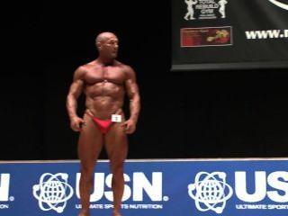 musclebull मार्क # 4: Nabba दुनिया 2014 - स्वामी 40 posedown खत्म