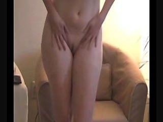 busty सौंदर्य Masturbating