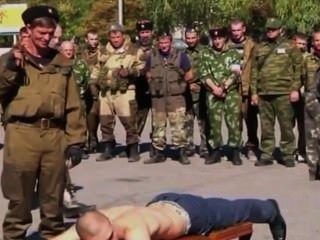 एमेच्योर रूसी समलैंगिक नशे में सैन्य बीडीएसएम