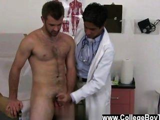समलैंगिक XXX मैं अपने स्पैन्डेक्स उंगली ऊपर तेल से सना हुआ और धीरे-धीरे मेरी उंगली में tucked उसकी