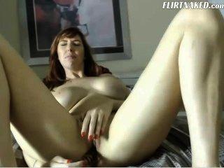बड़े स्तन रेड इंडियन camgirl