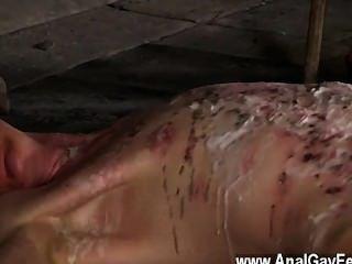 गोदाम मंजिल और उसके भागने में असमर्थ जंजीर फिल्म twink,