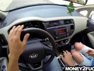 सड़क पर अद्भुत सेक्सी किशोरों की बकवास करने के लिए पैसे की पेशकश की
