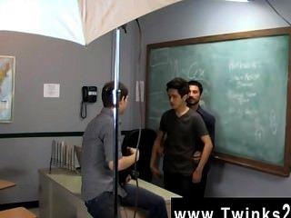 सिखाने twinks कार्यालय में सेक्सी पुरुषों सिर्फ एक दिन!जेसन alcok में मदद करता है